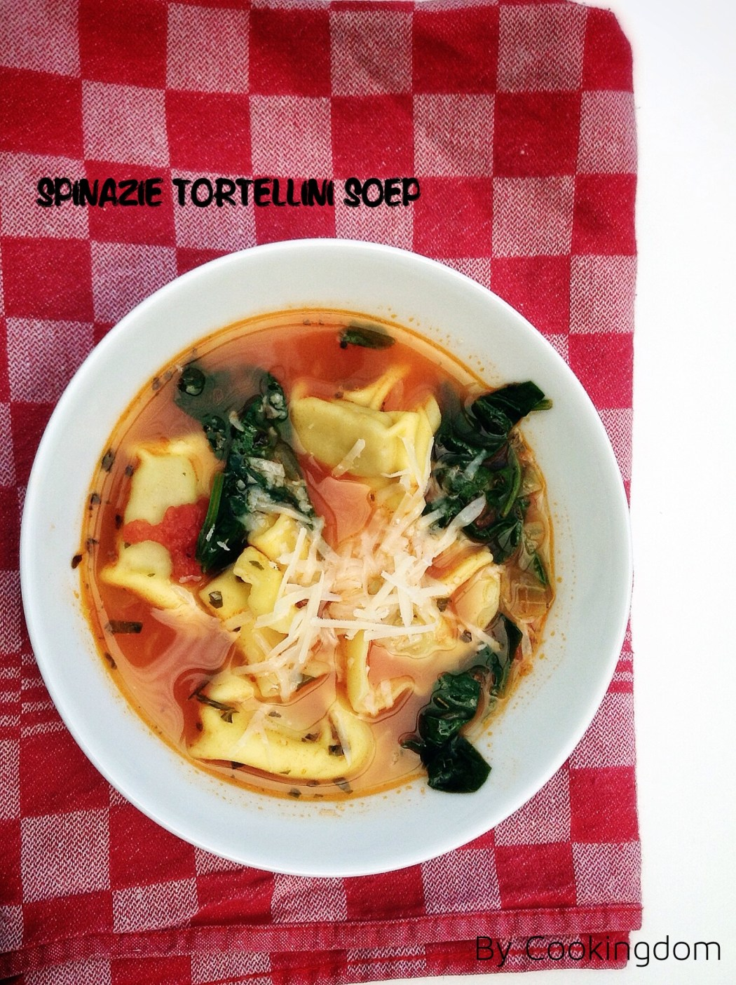 Spinazie tortellini soep, by Cookingdom