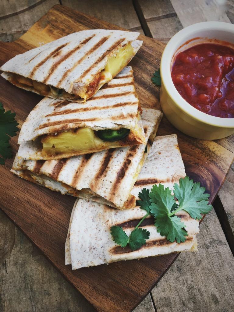 Quesadilla's met kip, ananas en kaas
