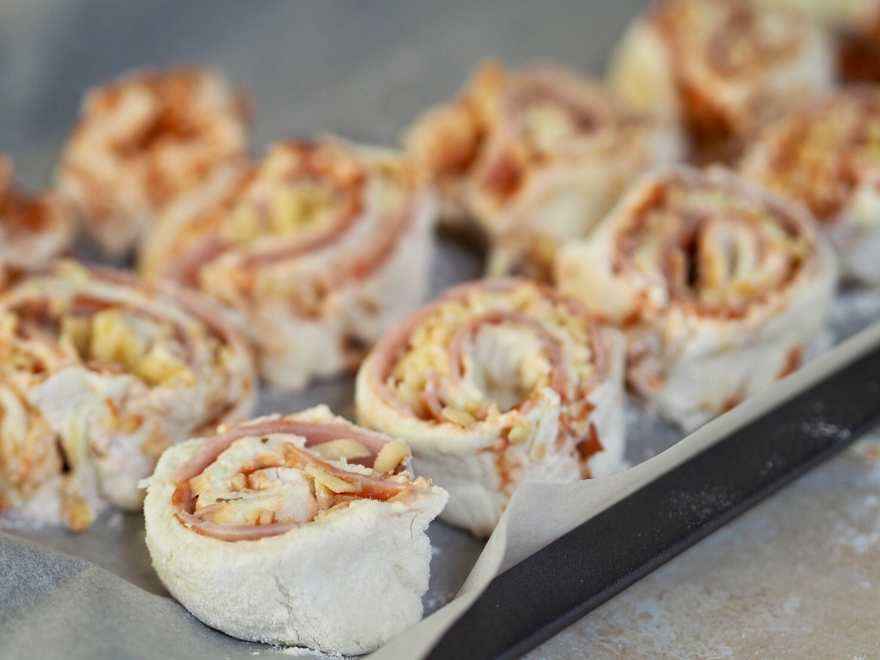 5 Ingredient Ham and Cheese Lunchbox Scrolls