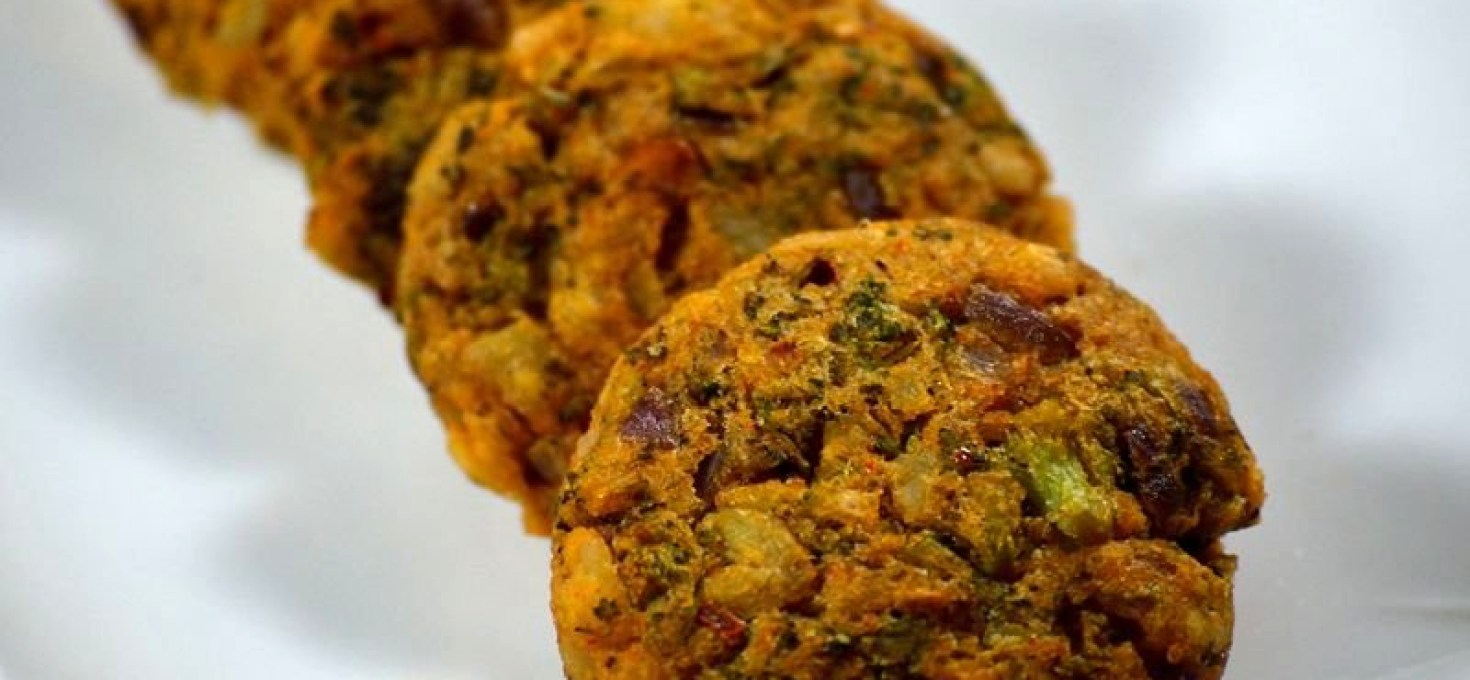 Baked Broccoli Patties | Quick and Healthy Snack Recipe