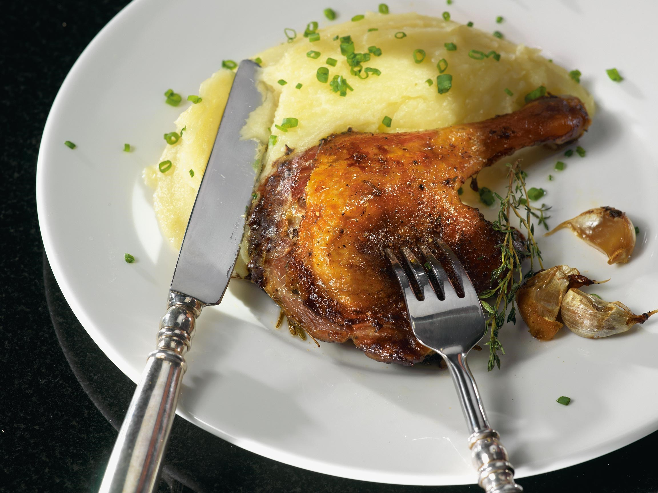 Duck confit with mashed potatoes