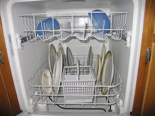 Ten tips to save water money and energy in your dishwasher - Dish washing tips ...