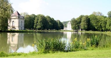Parkland garden 'follie'