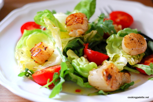 salad with old bay scallops and sun-dried tomato roasted pepper vinaigrette (17)