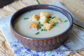 cauliflower parmesan soup with parmesan croutons (6)