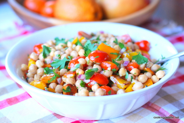 garbanzo pepper tomato salad (14)
