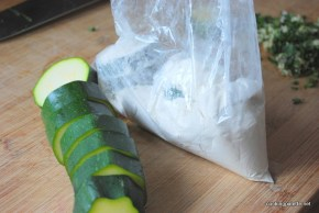 zuchini floured and fried (4)