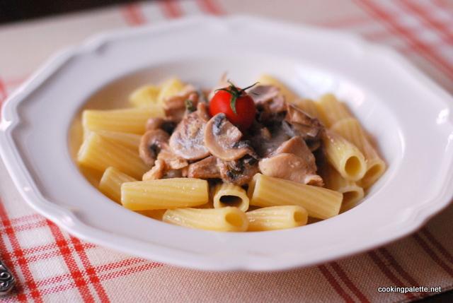 creamy chicken mushroom pasta (11)