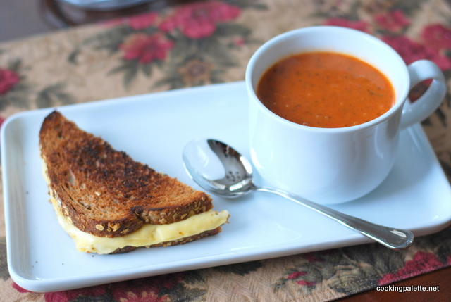 tomato soup grilled cheese sandwich (6)
