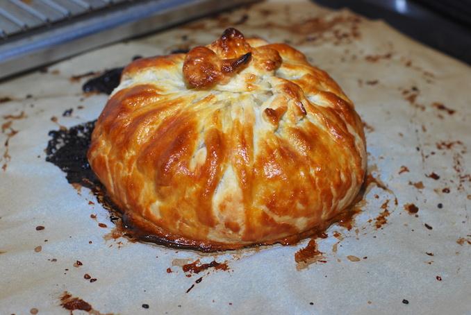 baked brie en croute00012