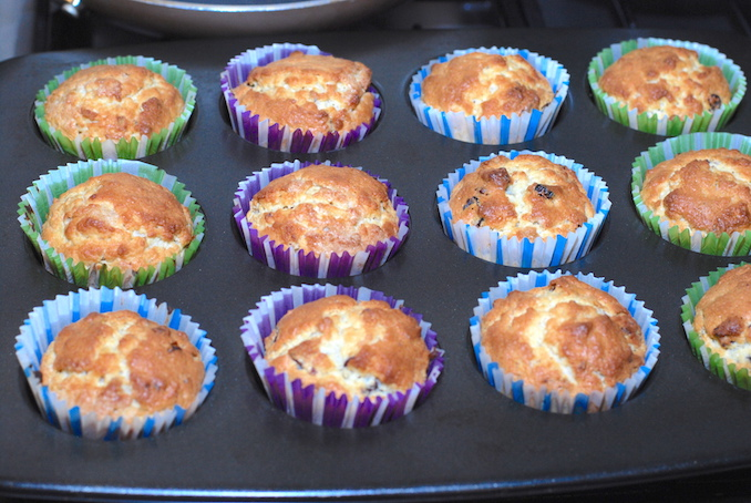 muffins with dried fruits and nuts00006