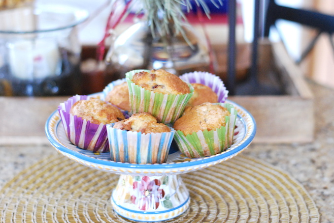 muffins with dried fruits and nuts00015