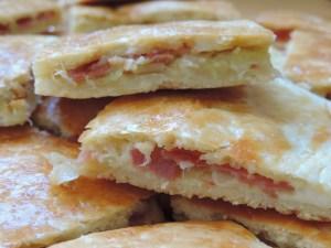empanada de puerros,bacon y queso philadelphia