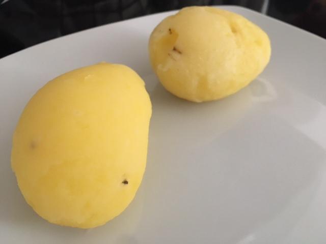 Patatas cocidas en el microondas en cinco minutos
