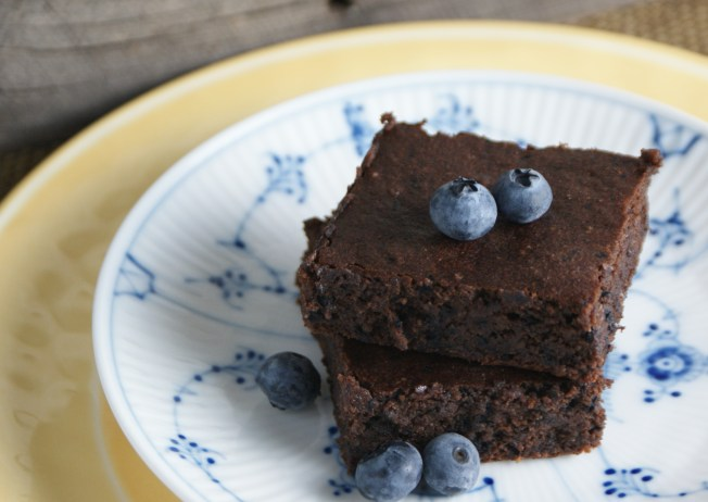 blueberry-brownies