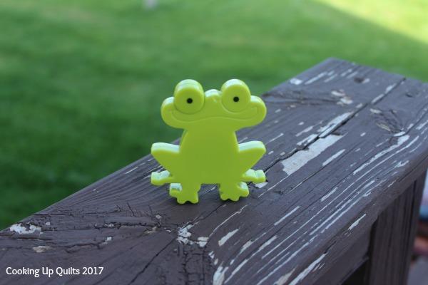 Freddy Frog Tape Measure