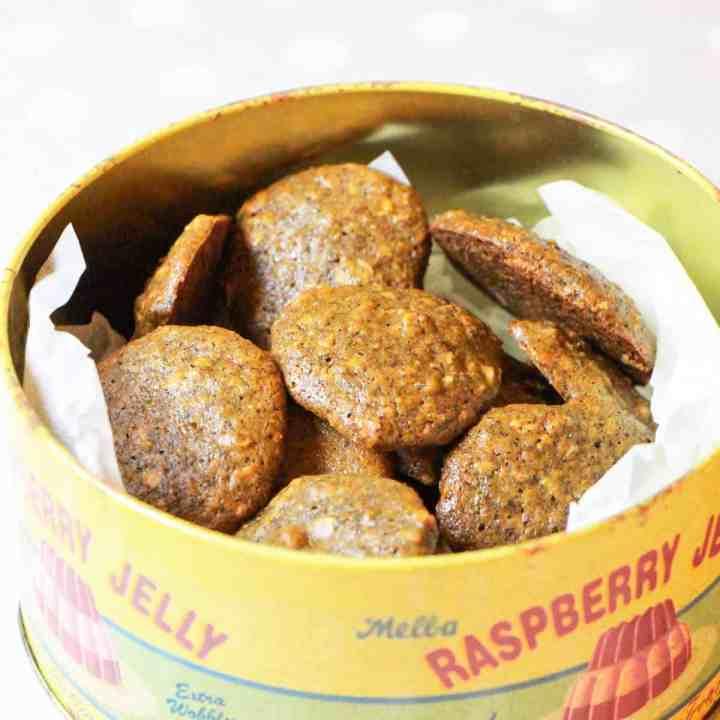 Zesty Orange and Walnut Cookies