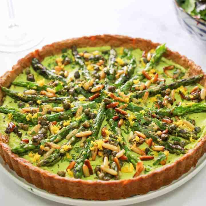 Vegan Asparagus Tart with Pesto Macadamia Filling