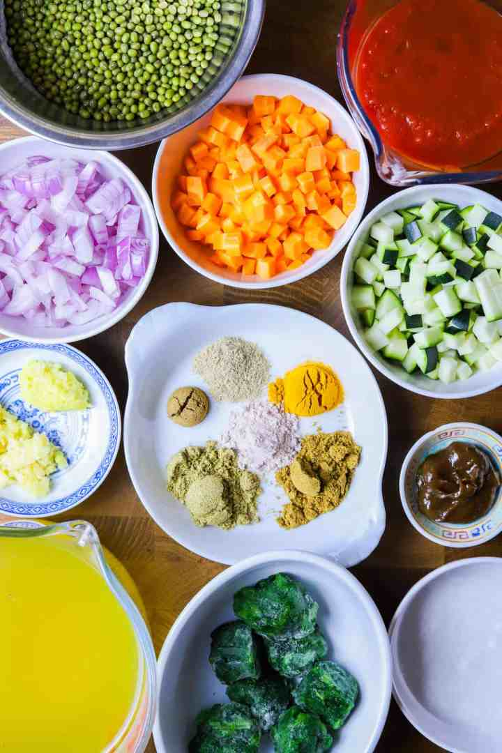 Photo showing Family-friendly Mung Bean Curry Ingredients