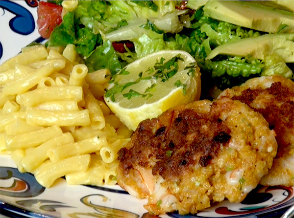 Shrimp Cakes with gluten free mac and cheese. Romain with avocado.