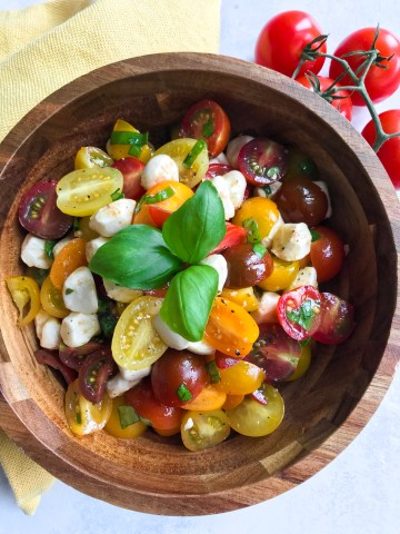 Tomato Mozzarella Salad With Balsamic