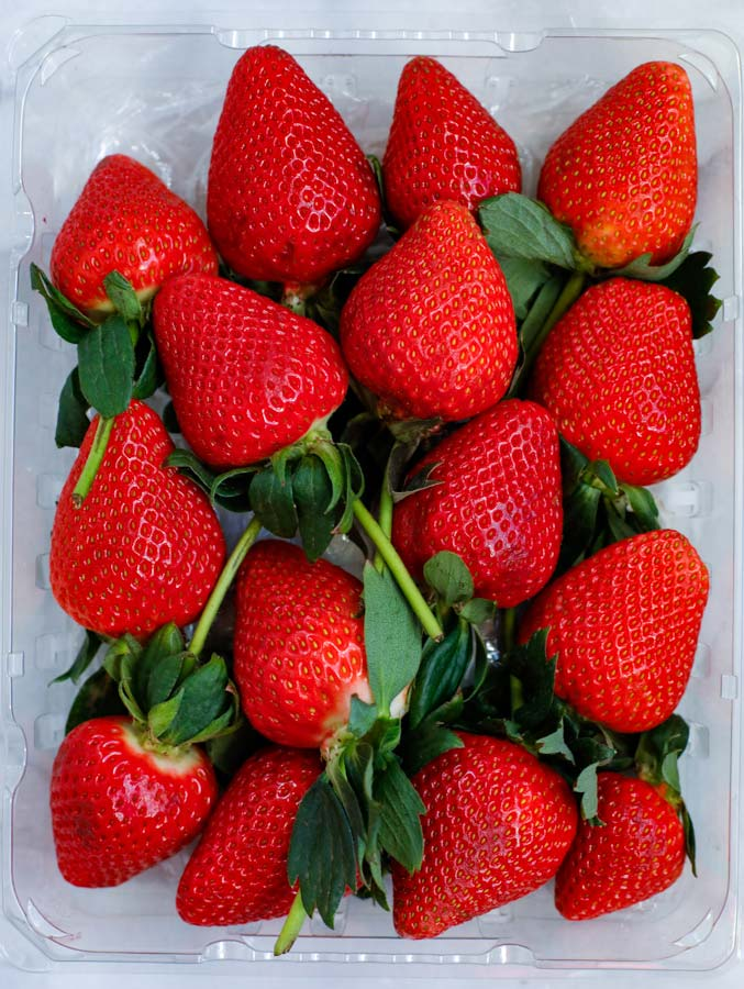 strawberries with stems