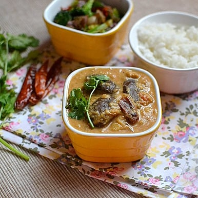 Kathrikkai Rasavangy (Eggplant Lentil Curry)