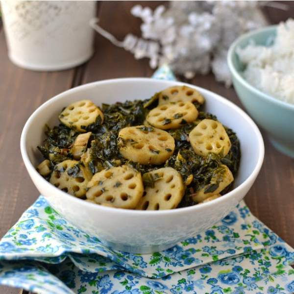 Palak Nadir (Spinach & Lotus Stem Curry)