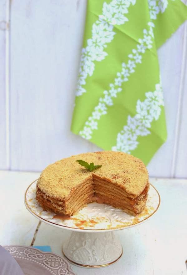 Russian Honey Cake -- Medovik