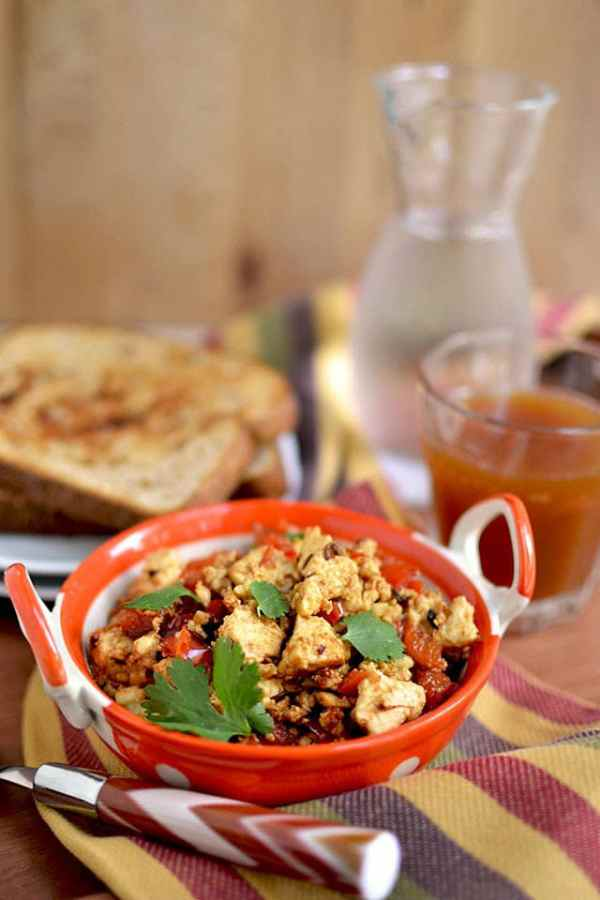 Paneer Bhurji (Scrambled Paneer/ Indian Cottage Cheese)