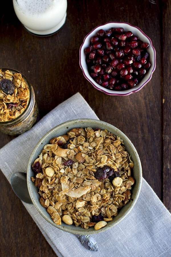 Granola with Cinnamon and Nuts