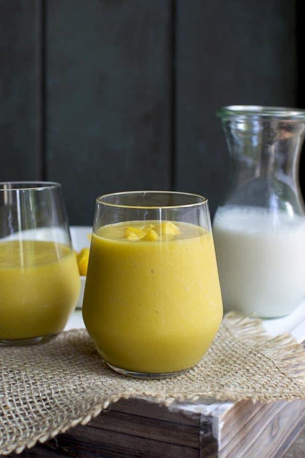 Batido (Tropical Mango & Passionfruit Smoothie)