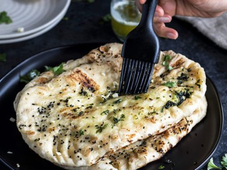 Restaurant Style Garlic Naan - Cook With Manali