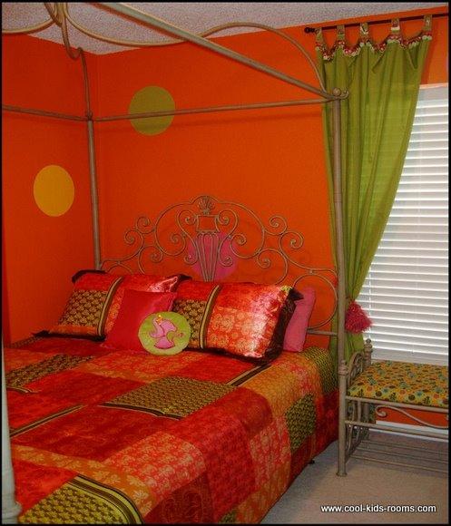 Orange Tween Room