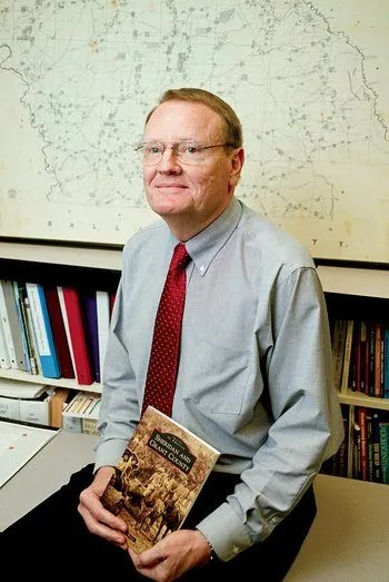 Roy Wilson award winning history teacher in Arkansas