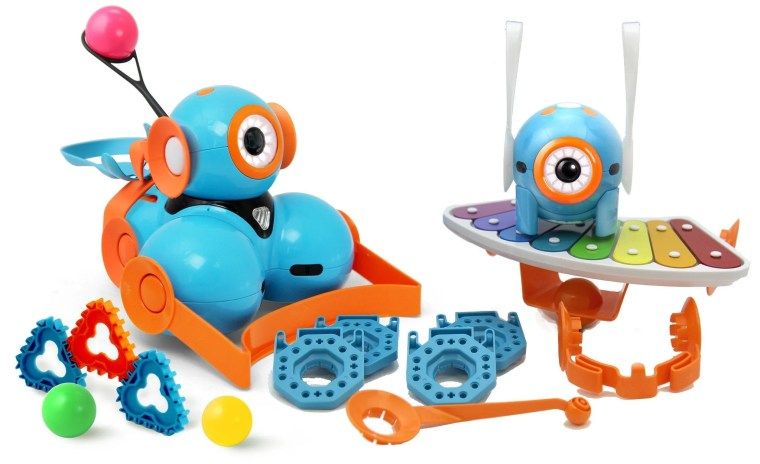 I have the Dash and Dot Wonder Pack in my classroom. It comes with lots of accessories and attachments. (Even some Lego extensions.) We're hosting a giveaway contest! Scroll down to enter!