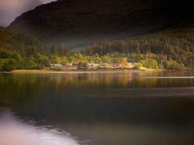 argylls-forest-cabins-loch-view