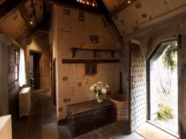 corrour-chapel-inside-view-front-door