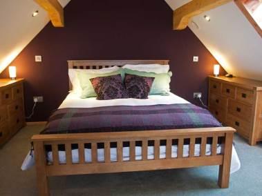 skye-hideaway-holiday-cottages-bedroom