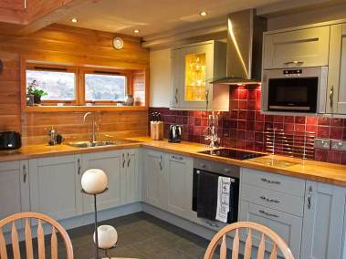 skye-hideaway-holiday-cottages-kitchen