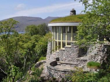 stonehouses-treetop-house-exterior