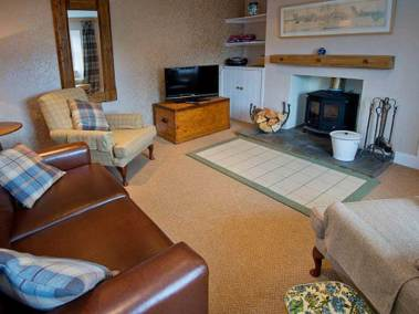 tomnahurich-bridge-kitchen-living-room