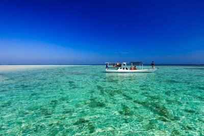 Island Hopping in Karimunjawa | Travel Photographer ...