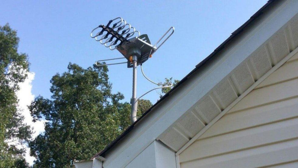 Tree New Bee TNB-WA2608 installed on roof