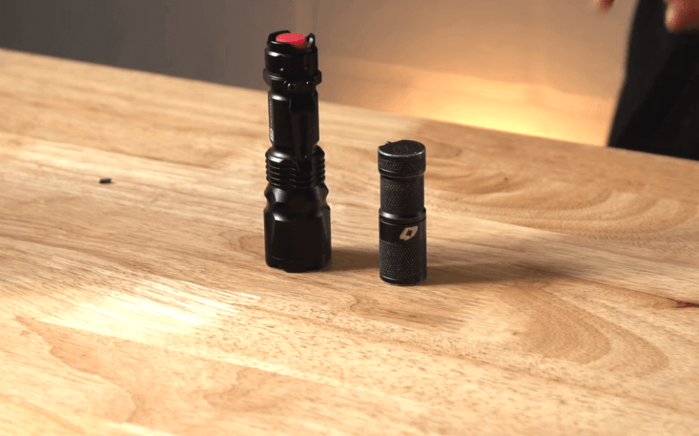 J5 Tactical V1-PRO Flashlight size comparison