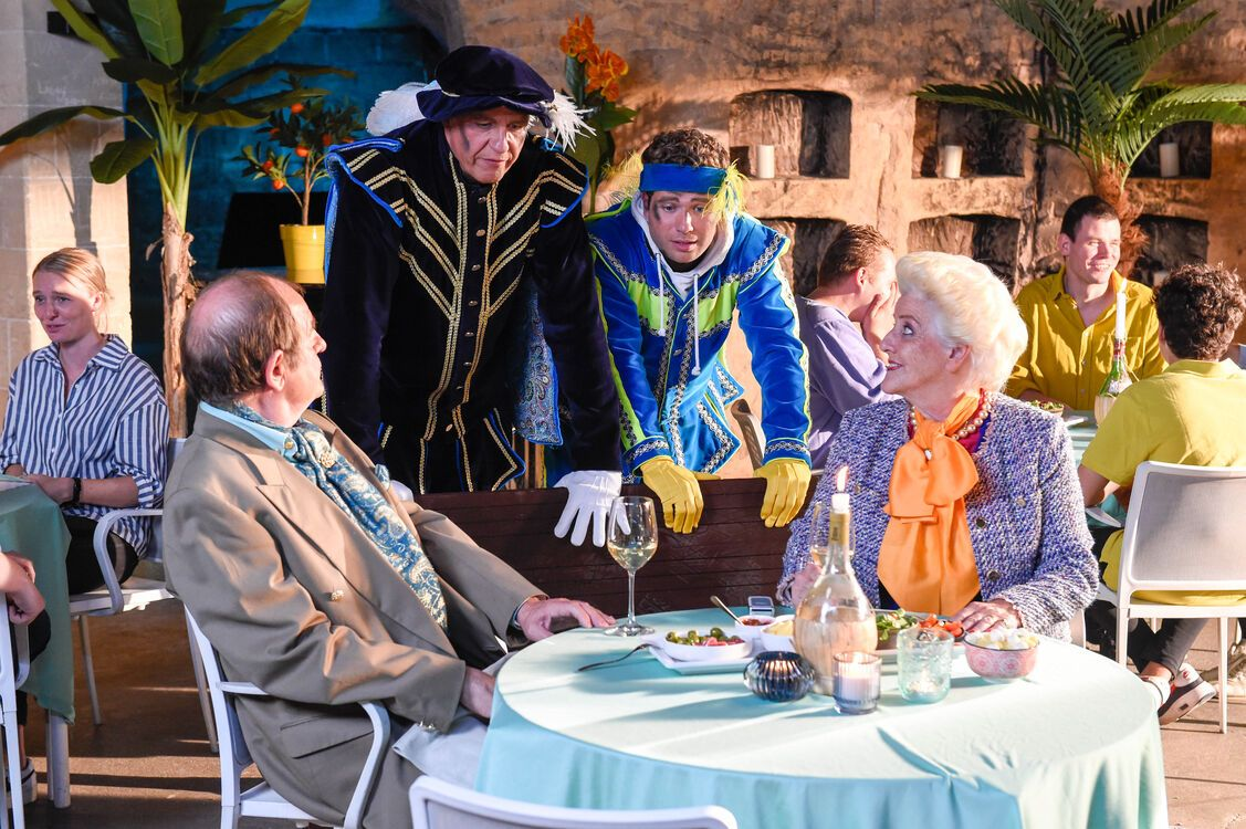 De Grote Sinterklaasfilm Trammelant in Spanje st 13