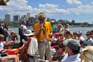 New_York_Water_Taxi_tourguide_01_(9427270898)