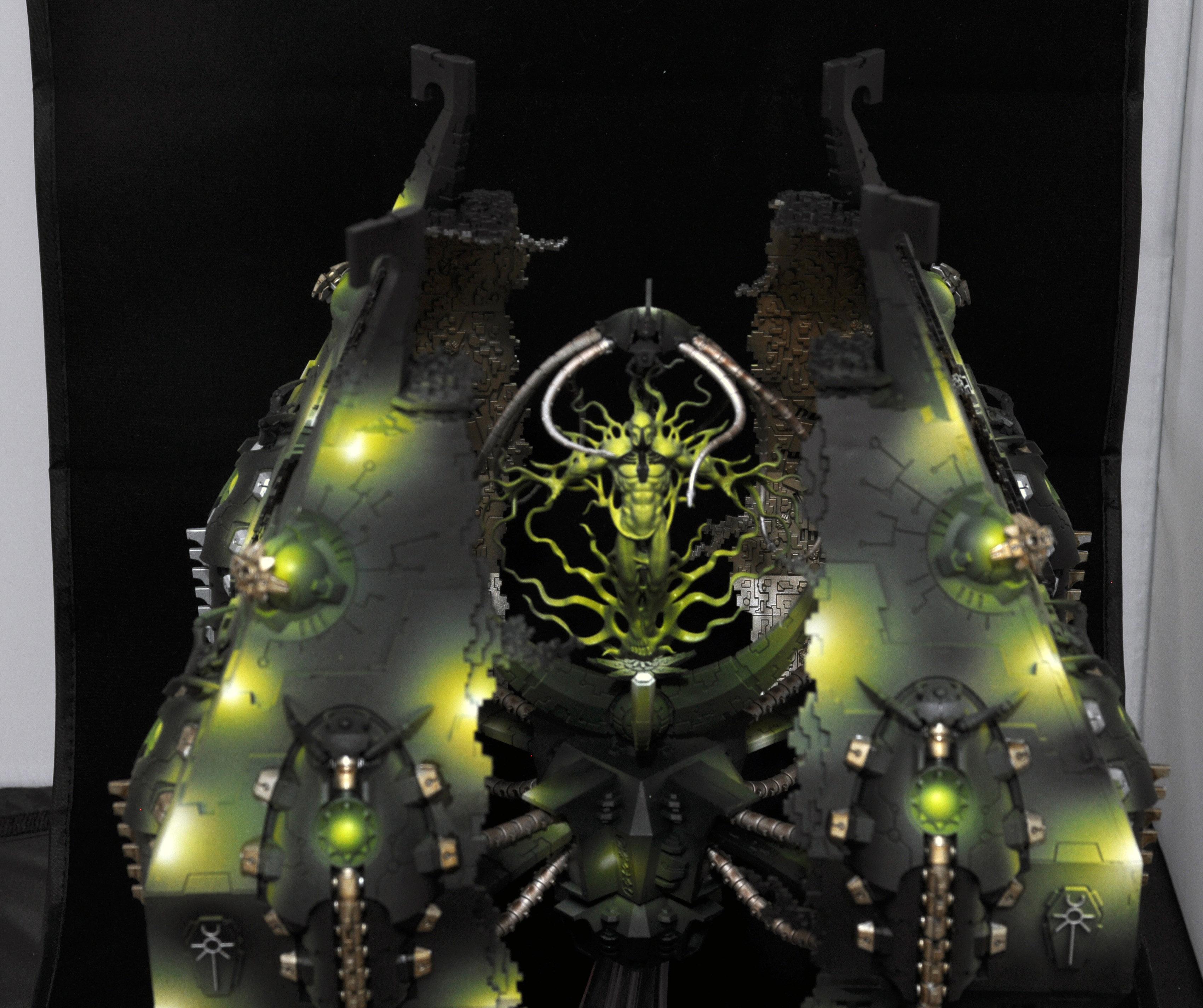 CoolMiniOrNot Necron Tesseract Vault By Tattooman
