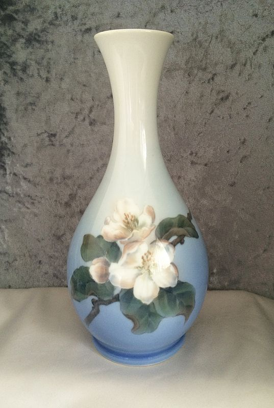 VASES  PLANTERS at Cool Old Stuff for Sale Vintage Collectibles