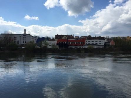 """Passau – Rotel Inn """"Ruhender Mensch"""""""